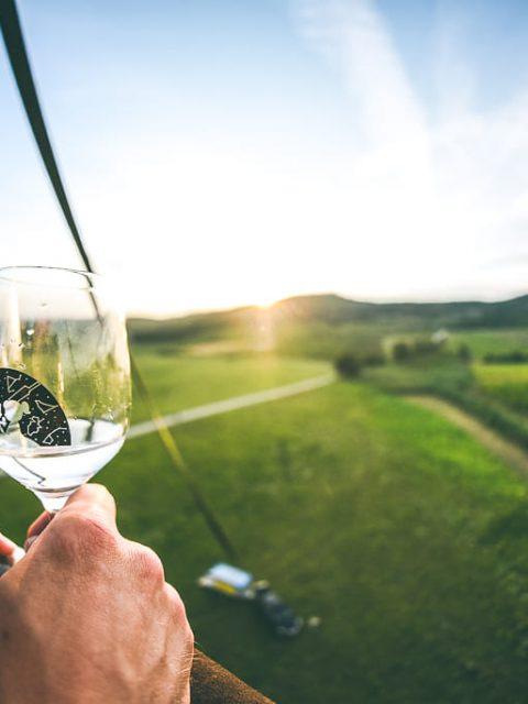 Víno pod hviezdami let balónom